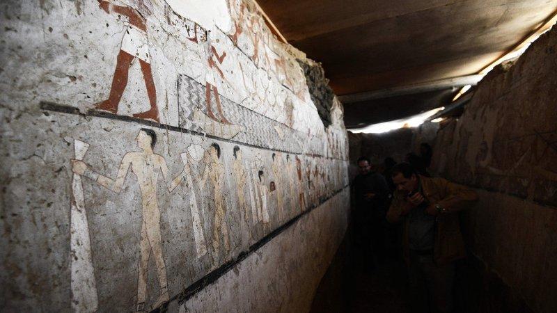 tomb4